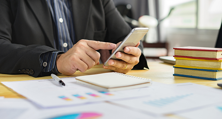 Use Messaging to Engage Financial Clients the Way They Want